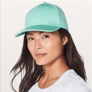 Lululemon BNWT Baller Hat in Washed Marsh
